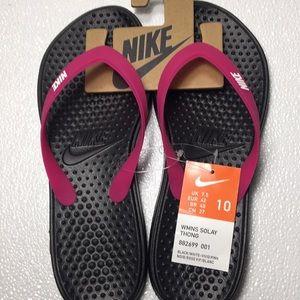 Women's Nike Solay thong flip flops. Sz 8 9 10